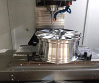 CNC-bewerking en vormingsproses van die motorwielnaaf